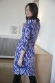Le Gang - DIANE VON FURSTENBERG - Robe New Julian Tiger Blue - photo produit porté de profil
