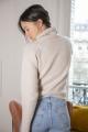 Le Gang - Maje - Pull à col roulé en laine - photo produit porté de profil