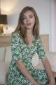 Le Gang - Arket - Robe Floral Wrap Dress Green - photo produit porté de face
